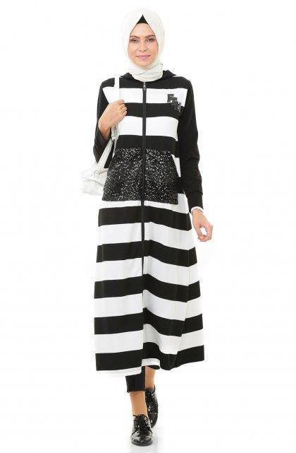 073cd1f55 ملابس محجبات: المونوكروم لإطلالة الكاجوال | مجلة سيدتي
