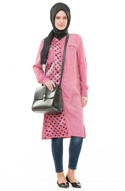 8304eeec57551 7نصائح لاختيار ملابس محجبات باللون الزهري