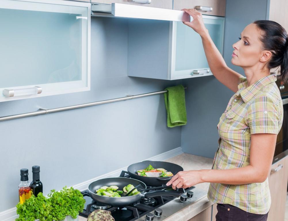 3 طرق لتنظيف الشفّاط بدقيقتين