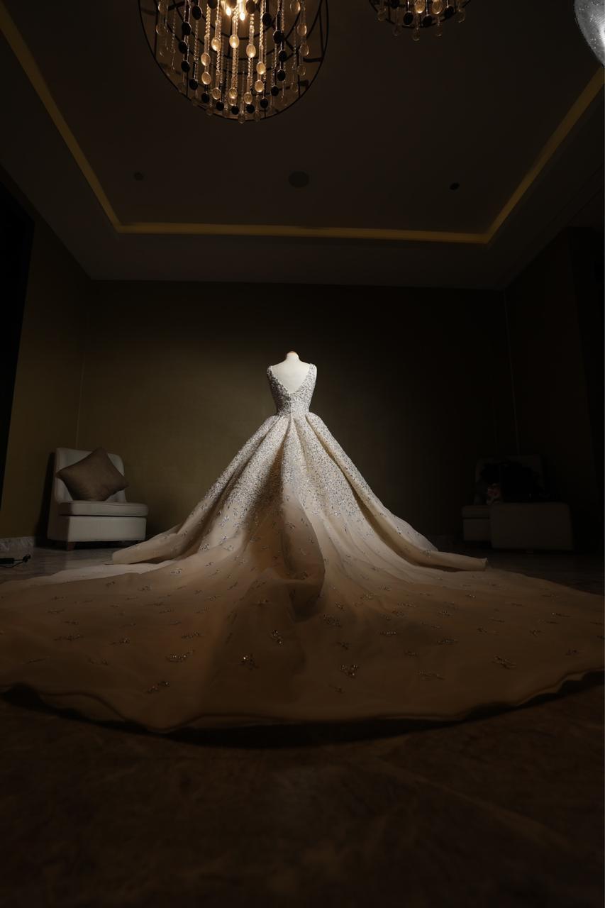 فسايتن زفاف من تصميم السعودية فاطمة عبد القادر