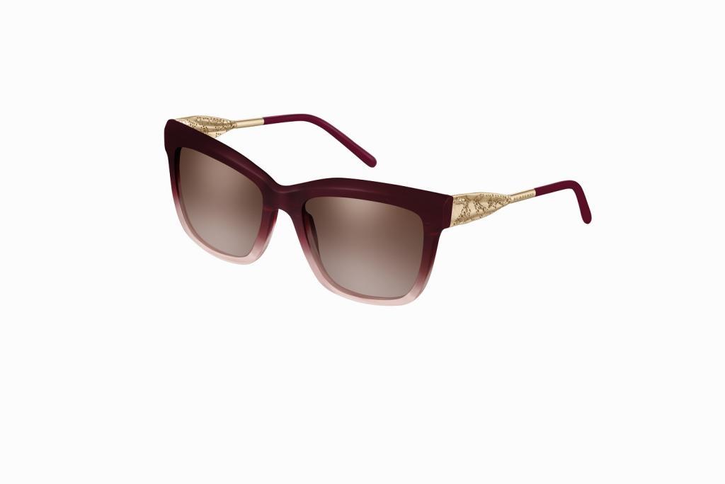216499ee1 نظارات شمسية بتوقيع بربري لإطلالة مميزة هذا الصيف | مجلة سيدتي