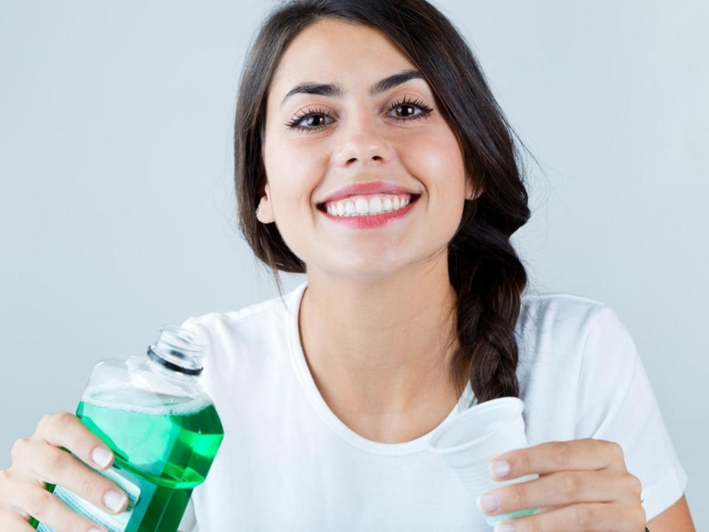 استخدامات غسول الفم في التنظيف لن تخطر ببالك