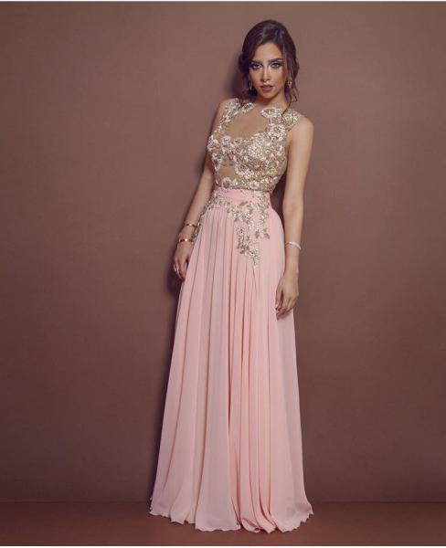 db763a6bb صور نجمات عربيات تألقن باللون الزهري   مجلة سيدتي