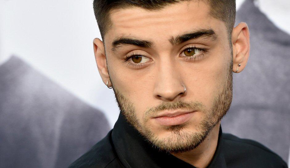 """وأخيراً...زين مالك يكشف سبب انساحبه من فريق """"One Direction"""""""