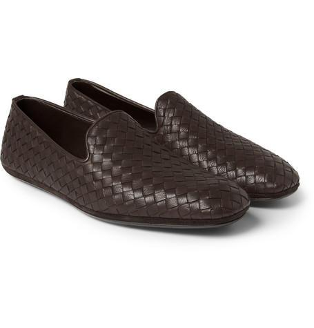 534a54f58 10 أحذية رجالية تناسب الإطلالة الرسمية بالثوب الخليجي | مجلة سيدتي