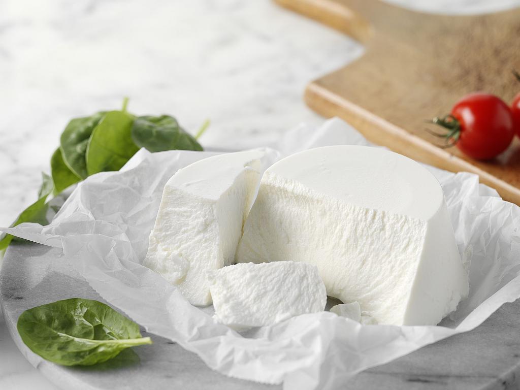 لقيمات بالجبن من منال العالم