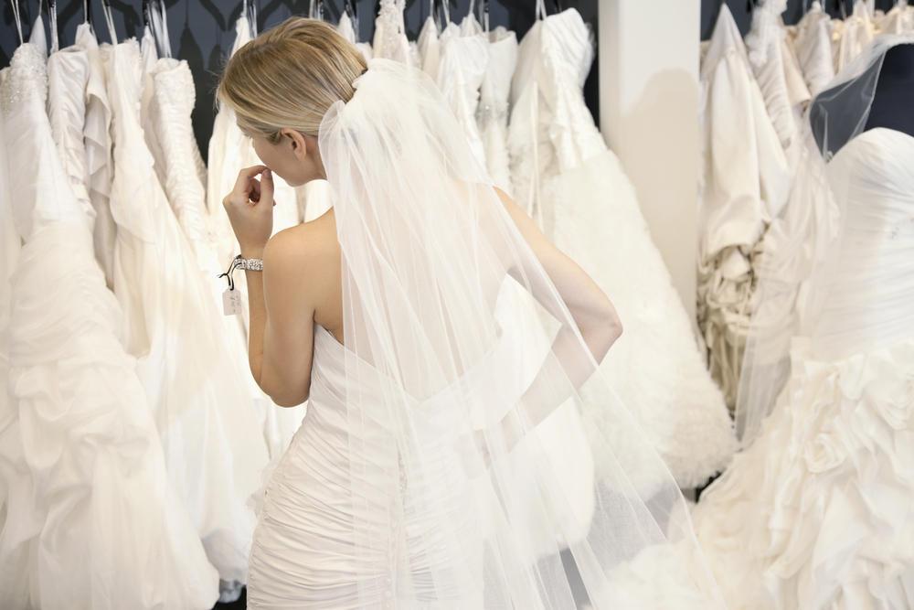 4fe771902 10 نصائح ذهبية لكلّ عروس قبل شراء فستان الزفاف | مجلة سيدتي