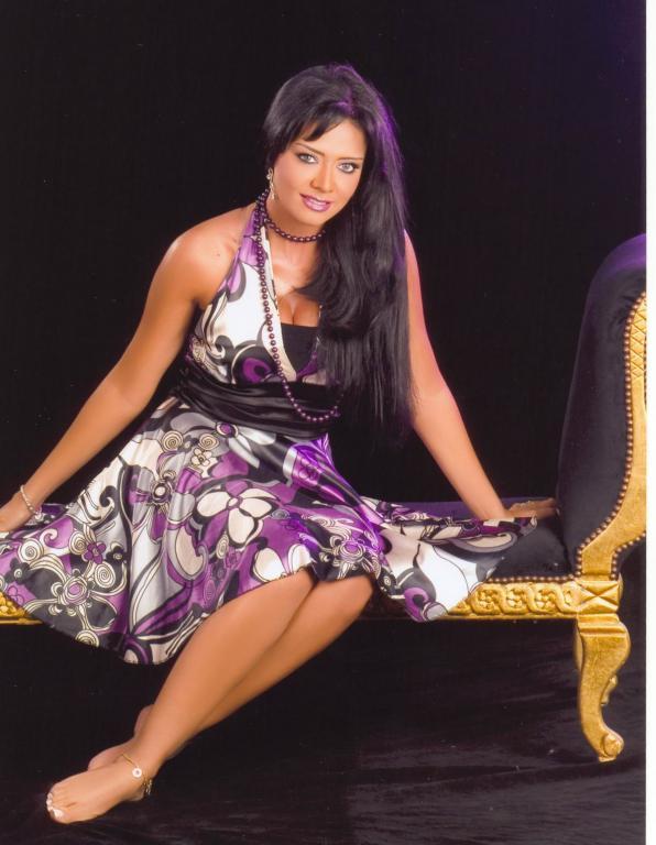 египетская певица рания тауфик фото распространяется телу симметрично