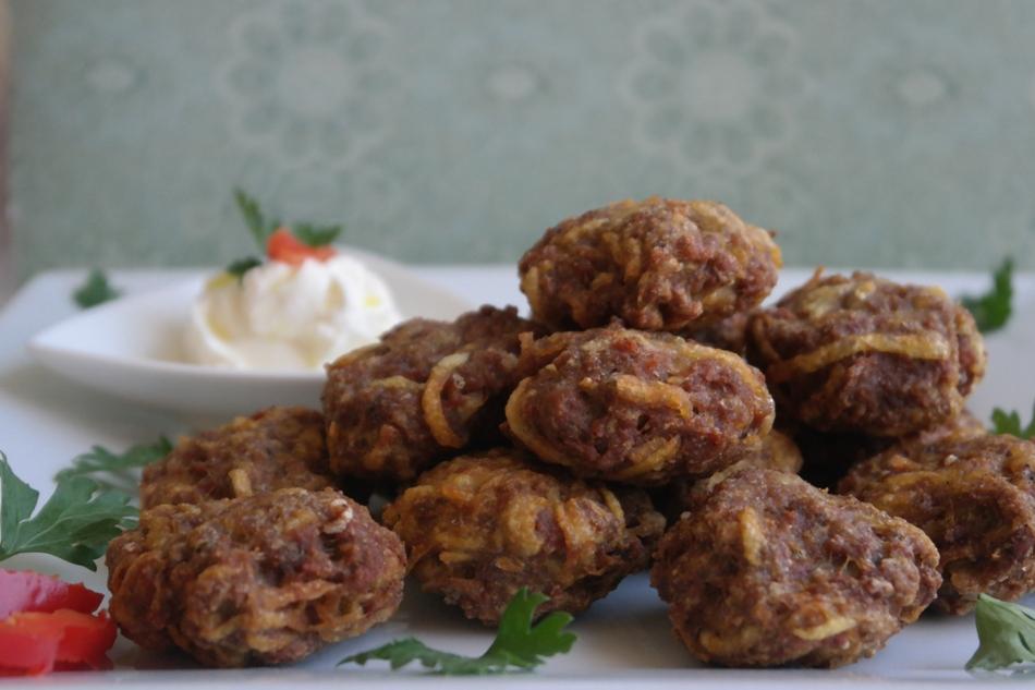 أقراص اللحم التركية بالبطاطا