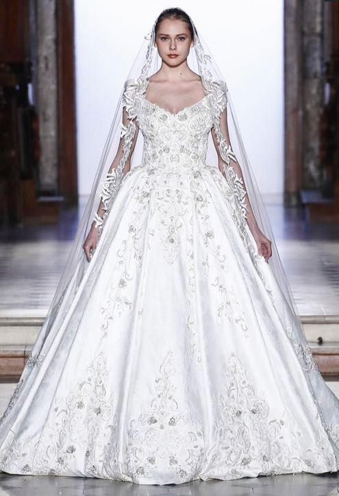 c29eb185a فساتين عروس ربيع 2017 من عروض الأزياء الراقية في باريس | مجلة سيدتي