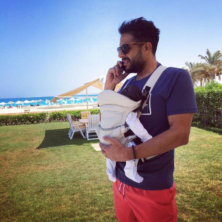 صورة محمد حماقي مع طفلته  فاطمة  تثير الجدل   مجلة سيدتي