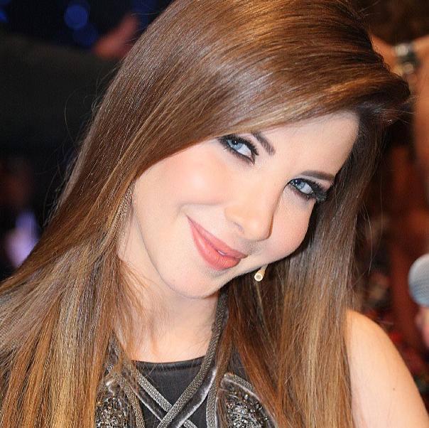 نانسي عجرم تحتفل بجائزة زر التشغيل الذهبي من يوتيوب   مجلة سيدتي