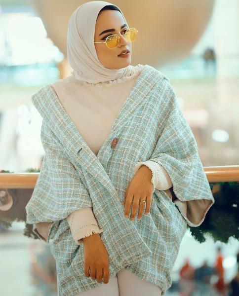 5b5f773922b53 صور ملابس محجبات من إنستقرام الفاشينيستا لاخفاء البطن البارز