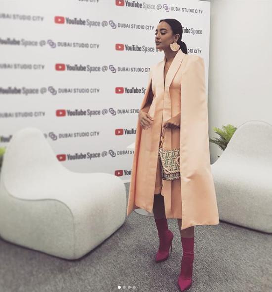 شاهدوا إطلالة نينا عبد الملك في حفل  يوتيوب    مجلة سيدتي