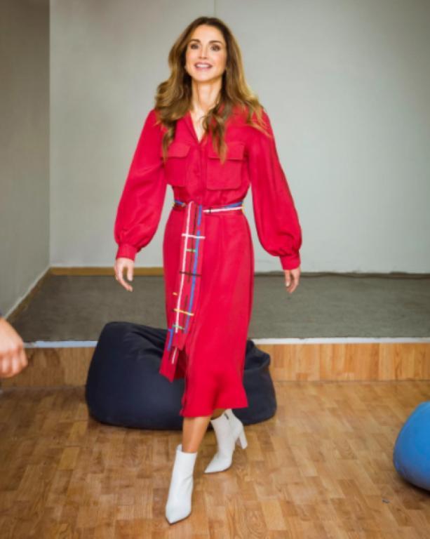 df9366394 صور ملابس عيد الفطر 2018 بوحي من الملكات والأميرات   مجلة سيدتي