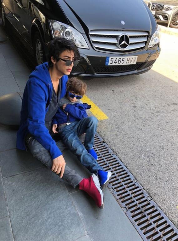ماذا يفعل شاروخان في برشلونة ؟   مجلة سيدتي
