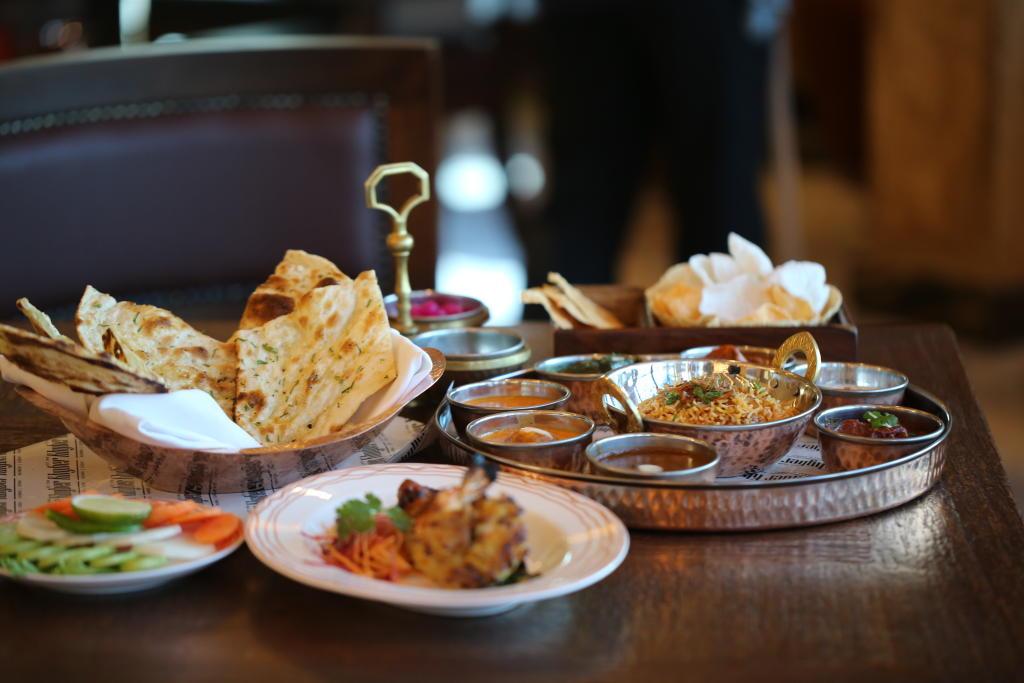 قائمة طعامه صيفية في مطعم خيبر في فندق ديوكس دبي   مجلة سيدتي