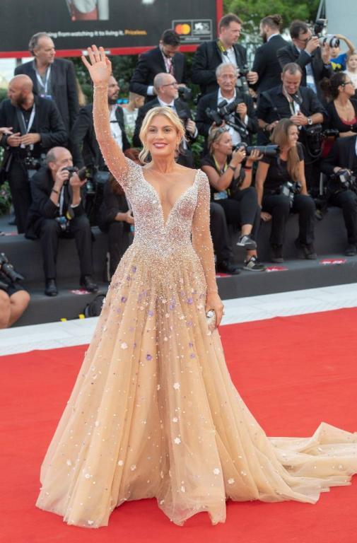اطلالات مهرجان البندقية السينمائي في يوميه الأولين: أنثوية تلامس الجرأة   مجلة سيدتي