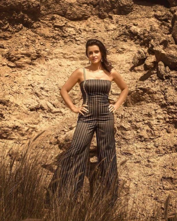 الفنانة نور تكشف حقيقة طلاقها: شائعة هدفها  خراب البيوت    مجلة سيدتي