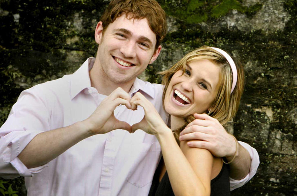 1574d13352314 عبارات حب مهداة للزوج في ذكرى الزواج