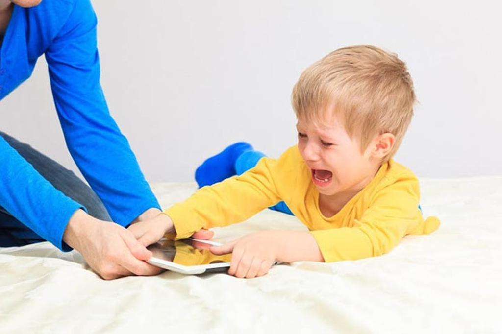 نصائح للتعامل مع الطفل العنيد المشاغب مجلة سيدتي