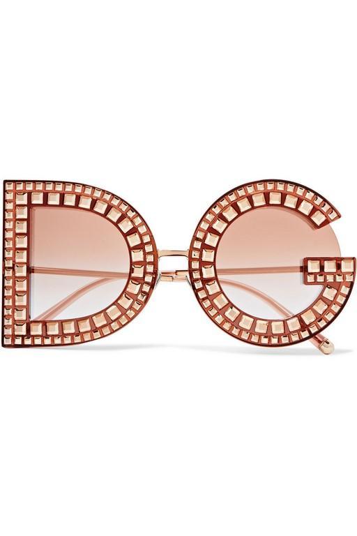 2198a123c اختاري النظارات الشمسية حسب شكل وجهك | مجلة سيدتي
