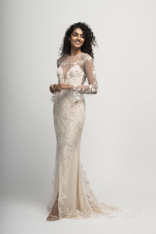 d1fc2daab فساتين زفاف بأكمام شفافة لعروس 2019   مجلة سيدتي