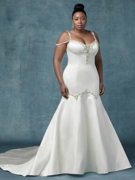 c4c2718cef5dc أجمل فساتين زفاف 2019 للعروس الممتلئة