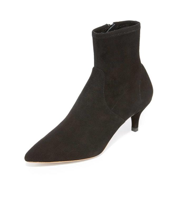 e4eb47a4f 5 أحذية أساسية في خزانة المرأة الأنيقة | مجلة سيدتي