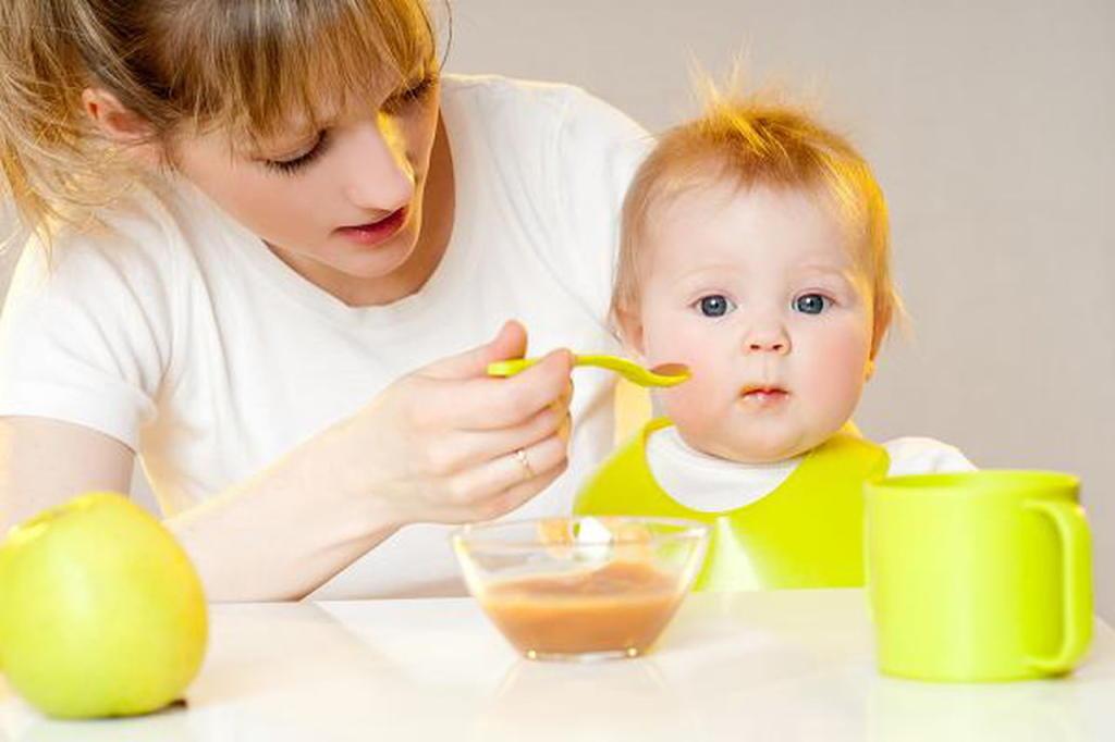 جدول أكل الطفل في الشهر الرابع مجلة سيدتي