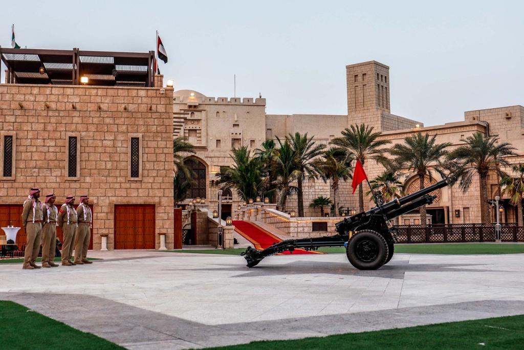 Image result for عرض الأزياء الرمضاني في فندق شيراتون جراند