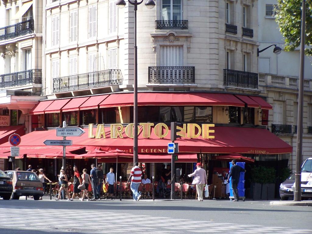 مقهى لا روتوند في باريس