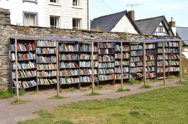 مدينة هاي أون واي لعرض الكتب القديمة