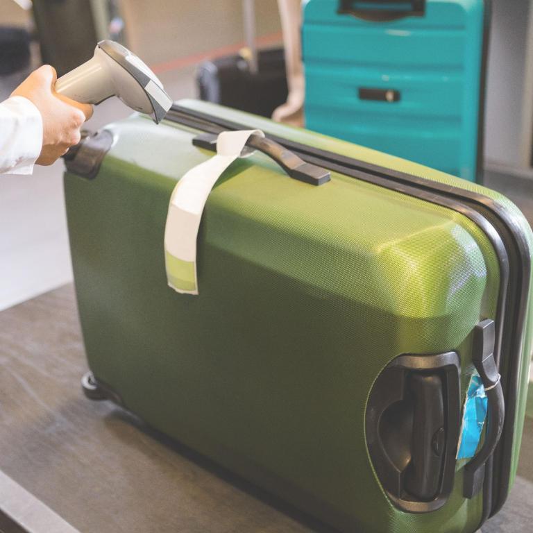 البحث عن الحقائب بواسطة موجات الراديو