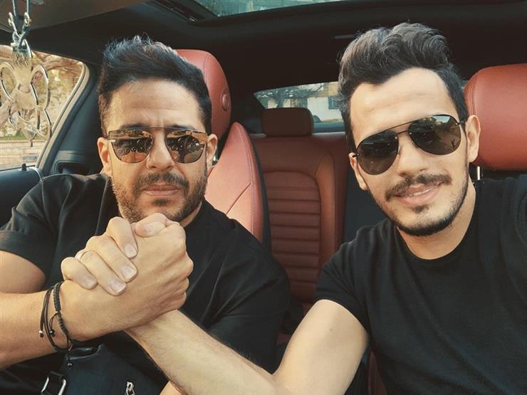 فيديو.. أحمد إبراهيم يغني مع محمد حماقي على المسرح   مجلة سيدتي