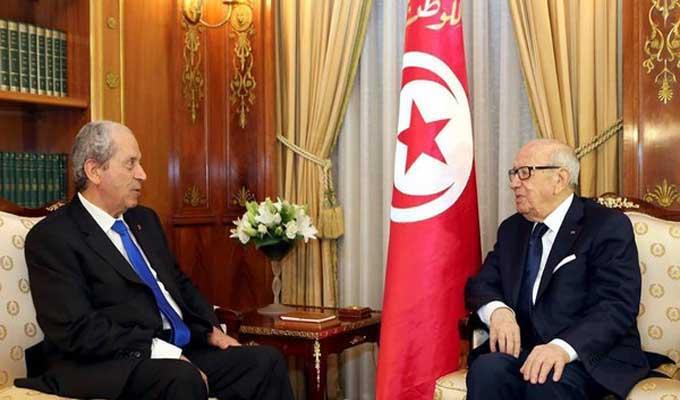 الرئيس الجديد مع الرئيس التونسي الراحل