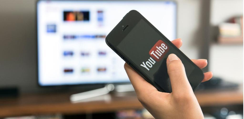 يوتيوب يحذف 100 ألف مقطع فيديو