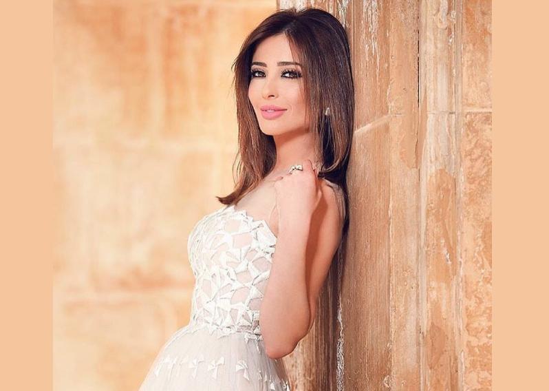 بالصور.. أجمل إطلالات وفاء الكيلاني في عيد ميلادها الـ 47   مجلة سيدتي