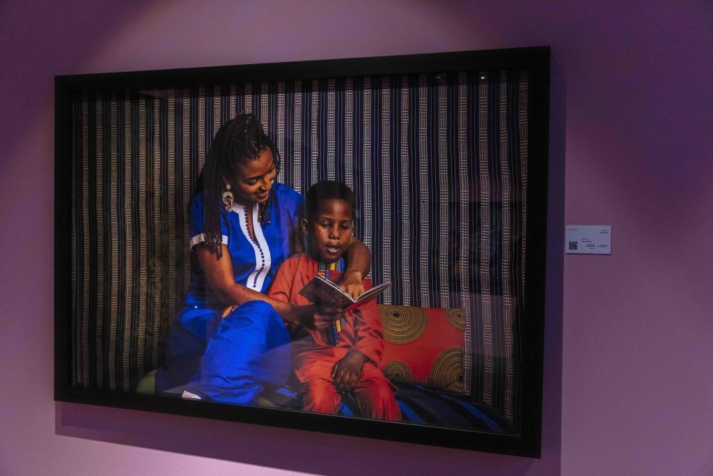 معرض المصور السينغالي في الشارقة