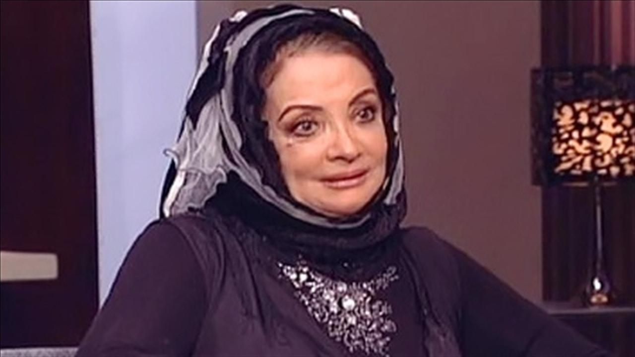 الجمهور يسخر من سهير رمزي وشهيرة بعد ظهورهما بشعر مستعار مجلة سيدتي