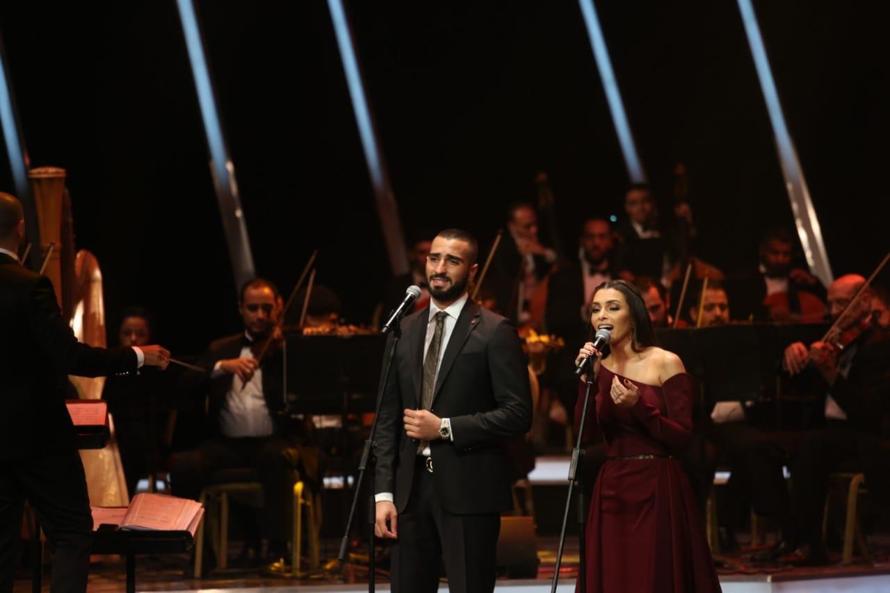 محمد الشرنوبي وكارمن سليمان