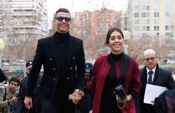 حقيقة أم شائعة... زواج كريستيانو رونالدو سراً من صديقته جورجينا في المغرب؟   مجلة سيدتي