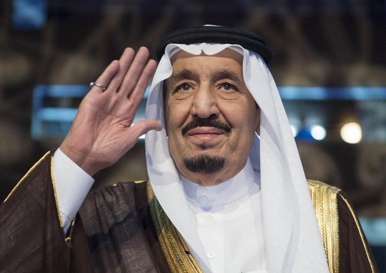 في ذكرى البيعة الخامسة السعوديون يجددون البيعة بكلمات ولاء