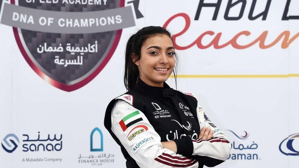 آمنة القبيسي بطلة أولى سباقات فورمولا 4 الإمارات