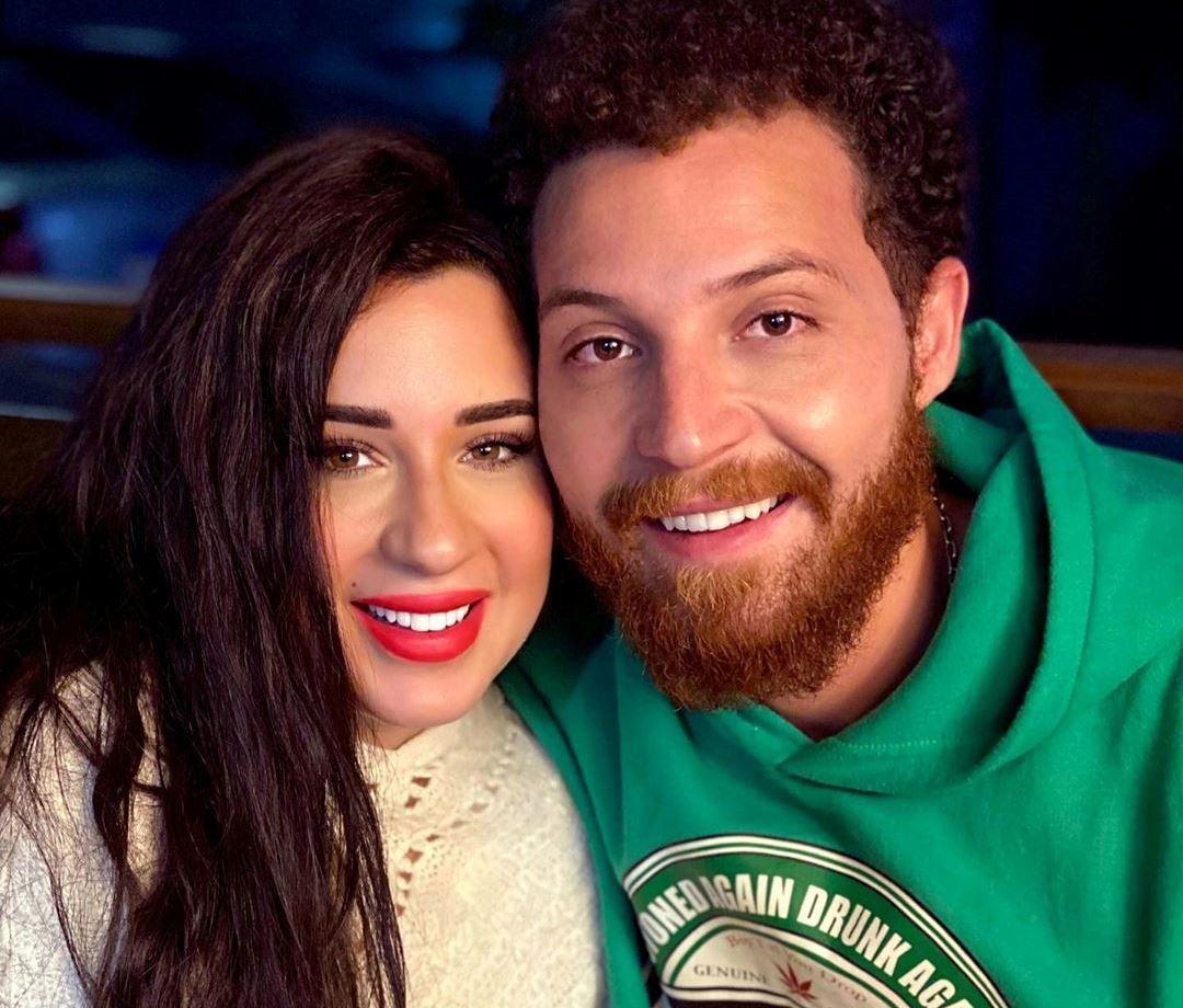 أسما شريف منير توزوجها محمود حجازي