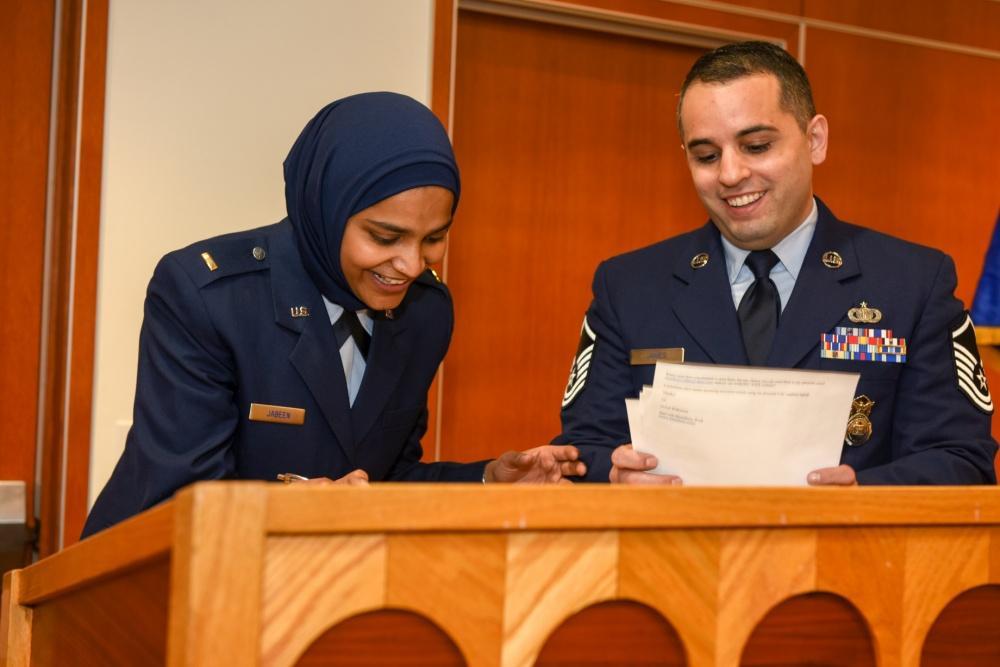 واعظة مسلمة في الجيش الأمريكي