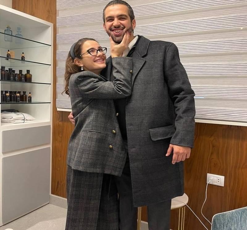 شام الذهبي برفقة خطيبها - الصورة من حساب شام الذهبي على انستقرام