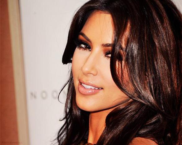 3596c6733b78f إليك أجدد أسرار مكياج Kim Kardashian