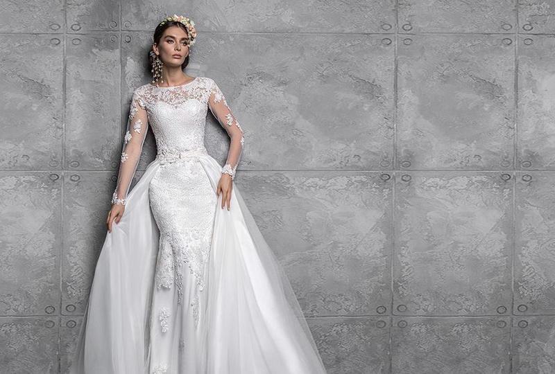 فساتين زفاف بتنورة إضافية 2021