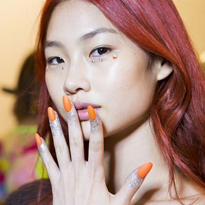 المناكير-البرتقالي.jpg